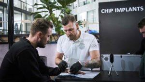 Un chip como DNI o medio de pago en Suecia